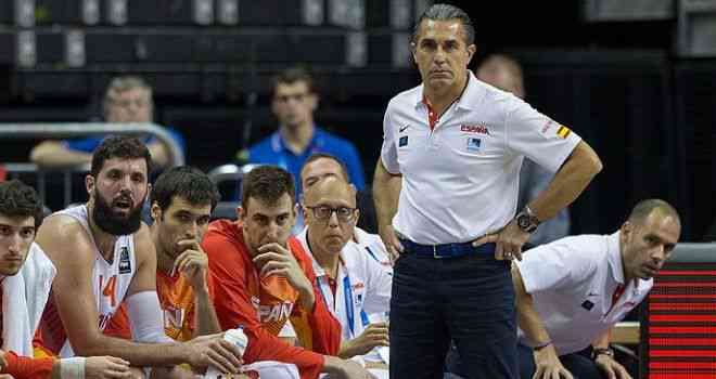 Pau Gasol y Scariolo destacan la tranquilidad con la que reaccionó España ante Turquía tras caer contra Serbia